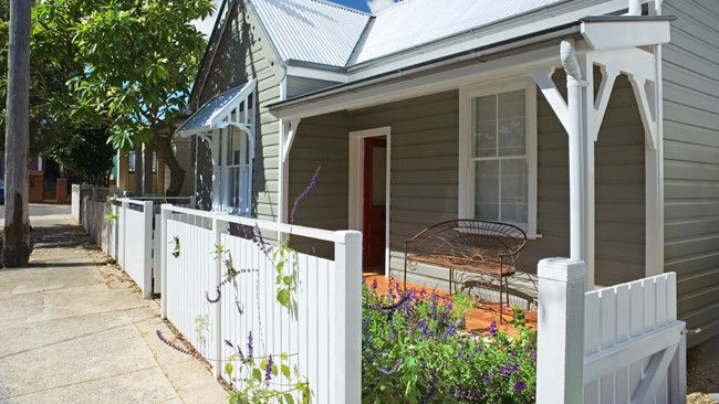 Great ideas for making your Australian cottage gorgeous... and fragrant. Love these tips!
