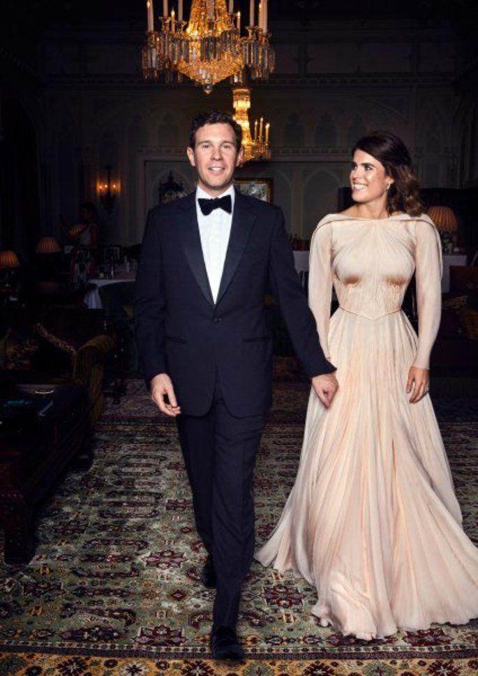 Prinzessin Eugenie Von York Jack Brooksbank Alle Details Zur Hochzeit Zweite Hochzeitskleider Kate Middleton Hochzeitskleid Prinzessin Eugenie