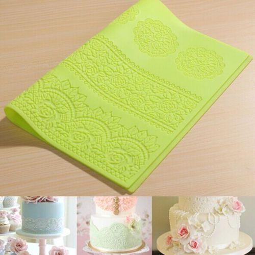 коврик для кружев, отличный! салфетки на снежинки не очень похожи, но использовала позже не один раз