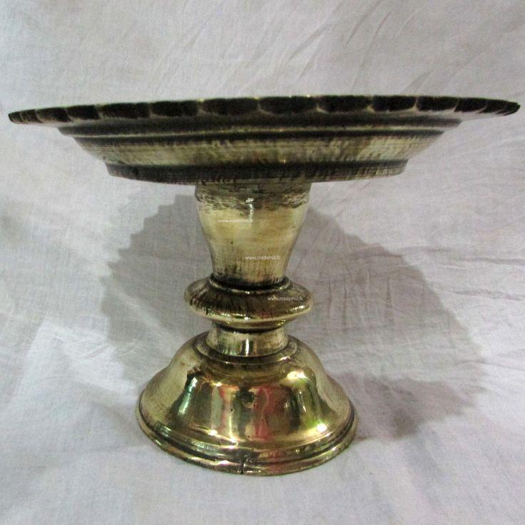 Traditional Sri Lankan brass tazza (heppuwa)