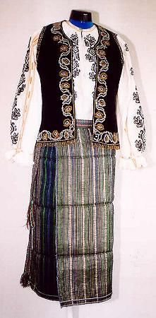Women's costume from county of Vrancea, Moldavia
