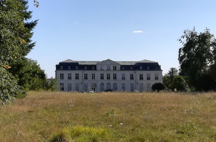 Chateau Sainte-Assise, Seine-Port