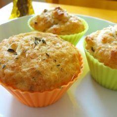 Starbucks (Brazil) parmesan cheese muffin (Recipe in Portuguese).