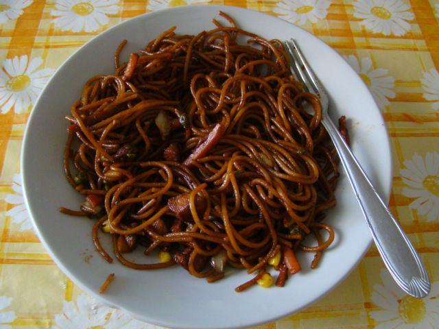Ismét egy kis újdonságra, változatosságra vágytam. Rég ettem kínait, és megjött a kedvem hozzá. Nem teljesen olyan, mint a gyorséttermekben ...