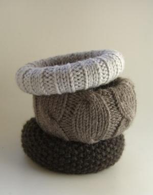 Bekijk de foto van Jaazeetie met als titel Makkelijk te maken van een oude armband of ander materiaal en een oude gebreide trui en andere inspirerende plaatjes op Welke.nl.