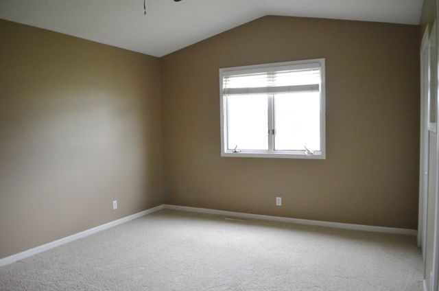 Sherwin williams studio taupe sw7549 wall colors for What color is taupe paint