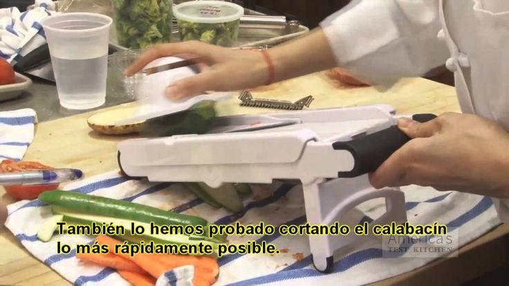 Comparativa de mandolinas de cocina realizada por America's Test Kitchen: se comparan 9 marcas de mandolinas de cocina, siendo Börner (cortador de frutas y verduras V3 PowerLine) la mejor puntuada.