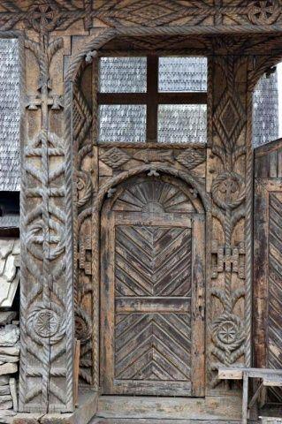 wood gate in Maramures