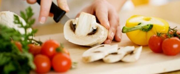 Diyet Yemekleri Sağlıklı Zayıflama Sağlıyor, Diyet yemekleri sağlıklı zayıflama sağlıyor zayıflamak için uzun uzadıya uğraşılan diyetler bir çok kişinin