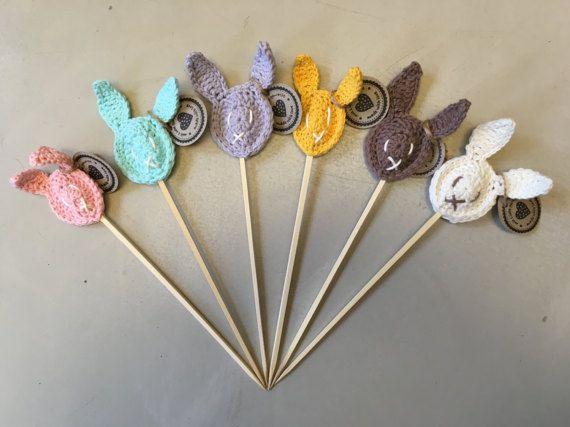 Blumenstecker Osterhase gehäkelt - handmade - sechs Farben