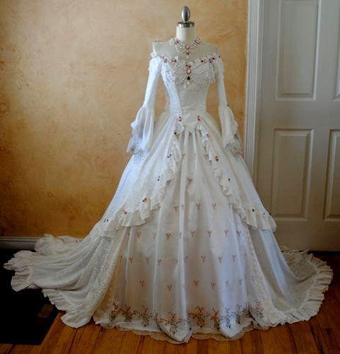 Medieval Wedding Dress Pattern Laced Corset Bridal Gown: FANTASY & MEDIEVAL WONDERFULL FASHION