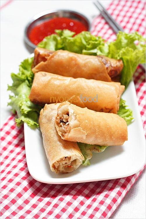 """Penang Hokkien, or literally """"fried popiah"""" or fried spring rolls ..."""