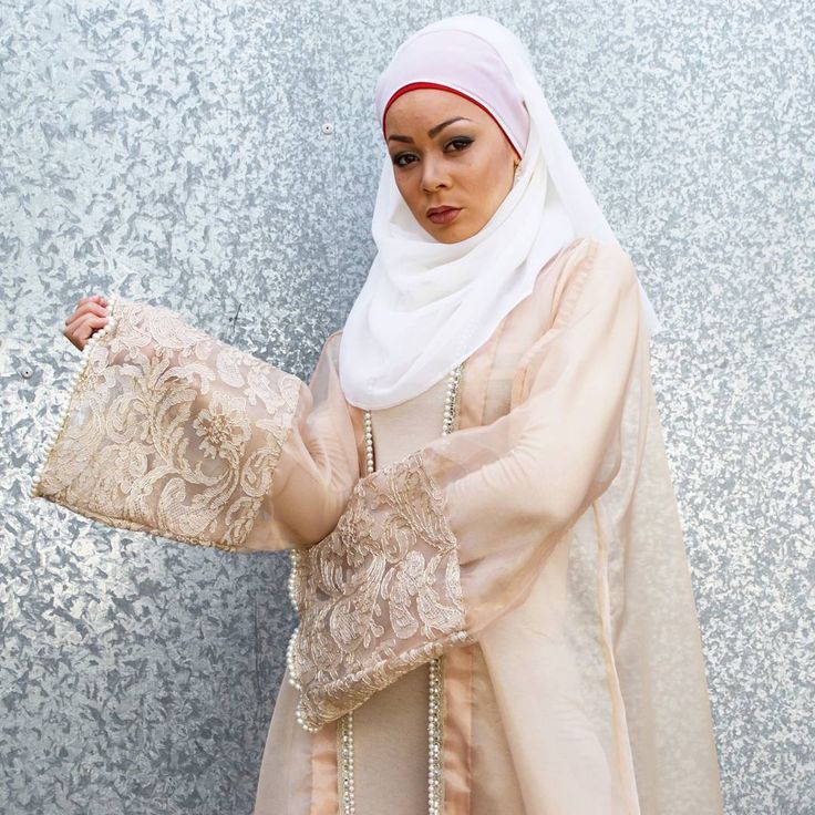 #OHSOLUXURIOUS | Peach SARA pearl beaded organza kimono by designer label @zonashahrukh • $115 • one size: fits AU 10-20 • Available for purchase in store at KAZECA STUDIO or online at www.kazecastudio.com  #perth #perthfashion #australianfashiondesigner #perthfashiondesigner #australia #instagood #instafashion #abayas #kimonos #luxuryabaya #fashiondesign #voguehijabi #fashiondesigner #model #styleblogger #fashionblogger #photography #photographer #photoshoot #fashionphotoshoot…