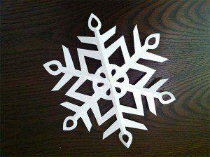 como-hacer-un-copo-de-nieve-con-papel