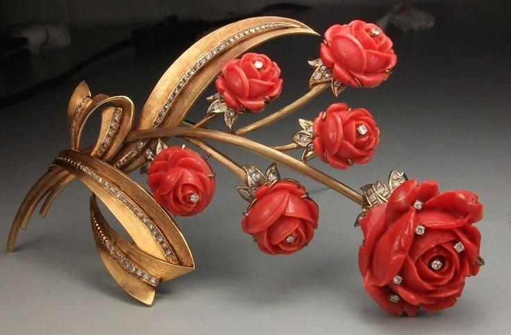 Коралловые розы брошь - Красный Сардинии Coral, 18-каратного розового золота и бриллиантовая брошь - Италия c.1860