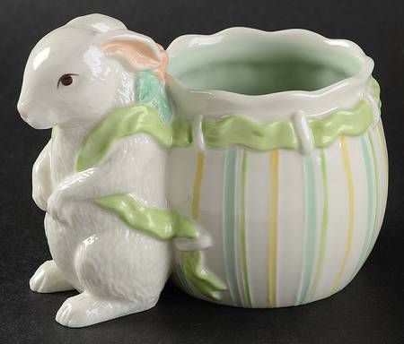 Belleek Pottery (Ireland) Bunny Baby Collection Baby Cup