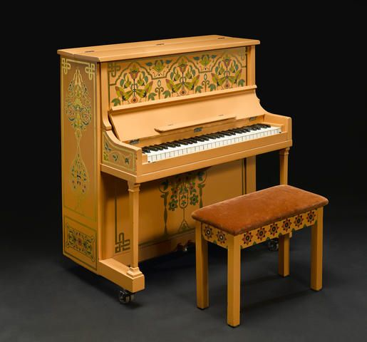 Cowardly Lion Costume, 'Casablanca' Piano Sell for More Than $3 Million at Auction - Hollywood Reporter