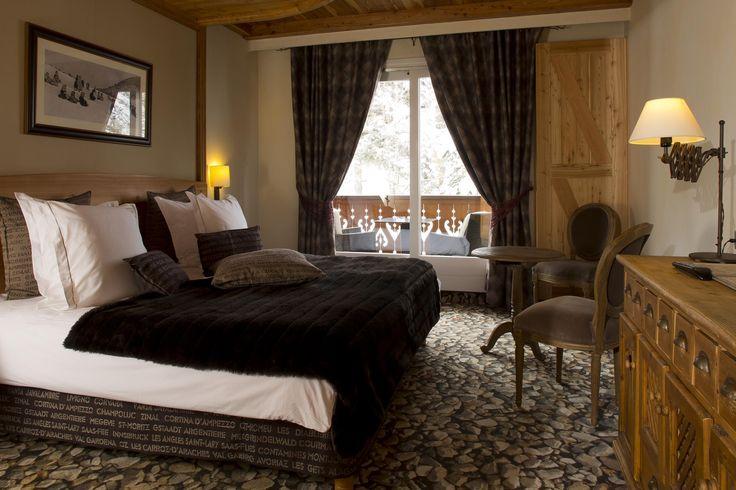 Hotel les 2 alpes chalet mounier chambre muzelle fausse fourrure lit montagne déco deo bedroom faux fur throw http://clemaroundthecorner.com/