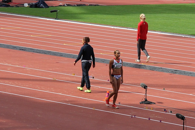 Team GB Gold Medal winner Jessica Ennis prepares for the long jump during the heptathlon in the London 2012 Olympics     I feel very motivated to be in the same species as these people!