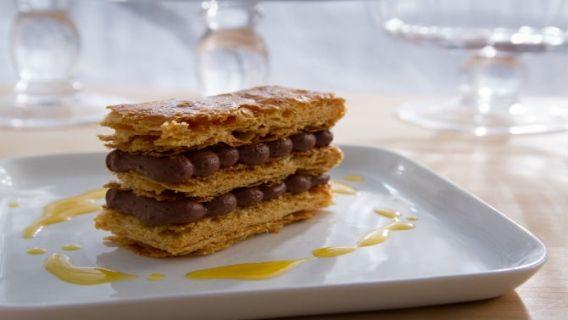 Millefeuille au chocolat et aux oranges confites  - Recettes de cuisine, trucs et conseils - Canal Vie