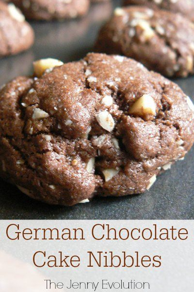 And if you like German chocolate cake, you will absolutely love this German chocolate cake cookies recipe, reminiscent of the famous coconut chocolate cake.