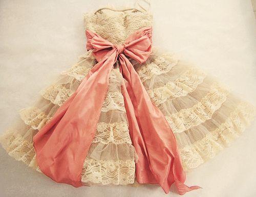 ♥Flower Girls Dresses, Princesses Dresses, Betseyjohnson, Vintage Lace, Pink Ribbons, Pink Bows, Betsey Johnson, Big Bows, Lace Dresses