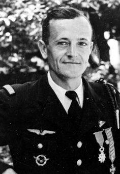 Edmond Marin la Meslée, né le 5 février 1912 à Valenciennes et tué au combat le 4 février 1945 à Dessenheim (Haut-Rhin), est l'as de l'aviation française le plus titré de la campagne de France avec seize victoires aériennes confirmées (et quatre autres probables) remportées entre janvier et juin 1940. Roland Dorgelès présenta ce héros de la chasse aérienne mort avant la victoire finale comme le « Guynemer de la guerre 1939-1945 ».