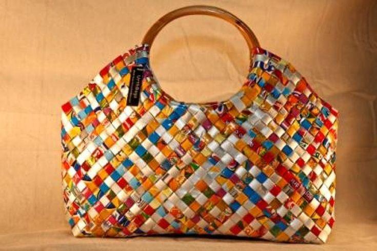 104 best con material reciclado carteras canastos objetos - Manualidades de papel reciclado ...