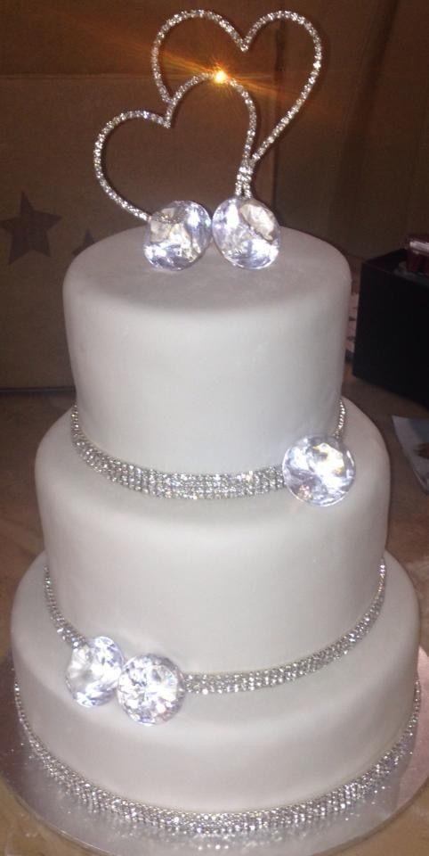 Diamanté Detail Hochzeitstorte – Sweet – # détail # Diamanté #Hochzeitstorte …   – Cake