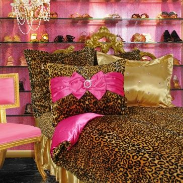 Would love this for Alexis' room! (secretly would love it for my own room!) Trashy Britney - Leopard Faux Fur (Candy Pink)