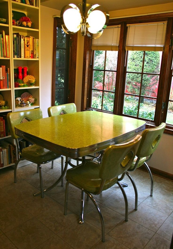 47 best images about vintage dinette on pinterest for Very small kitchen table sets
