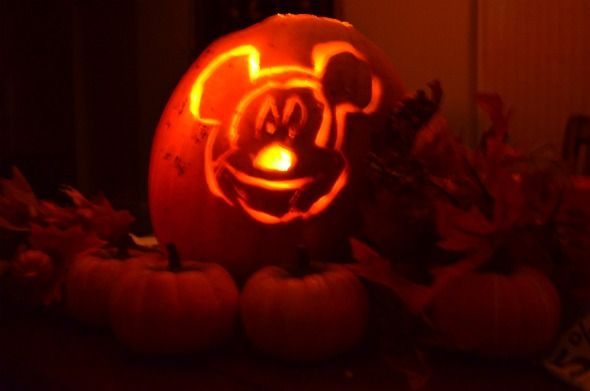 Mickey Mouse Pumpkin Carving Template | Halloween and Harry Potter ...
