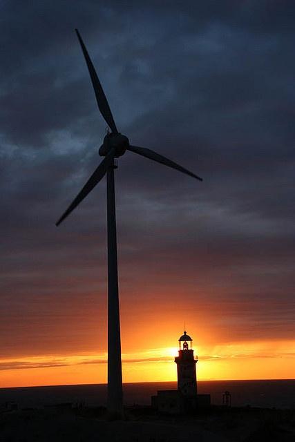Rüzgar gülü, fener, gün batımı by TeomanGokcan, via Flickr