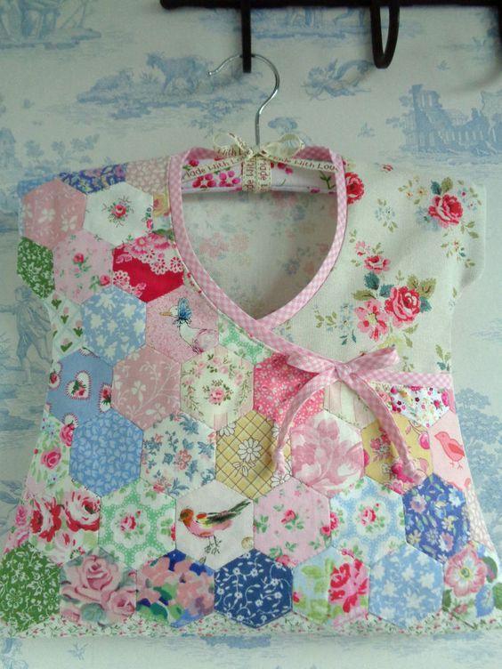 2 Hexagon EPP Patchwrk Laura Ashley Cath Kidston fabric incl Peg Bag Storage: