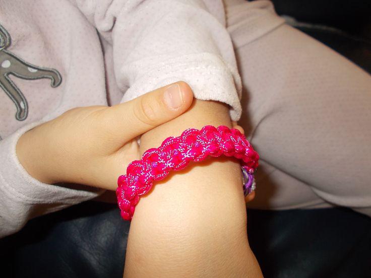 bracelet en para-corde fait par ma fille ainée.