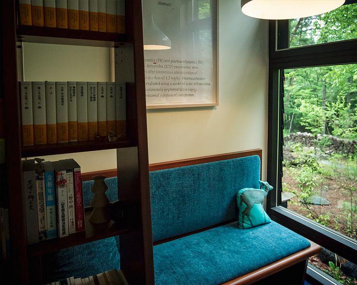 原田 マハさん 『旅する小説家のこだわりが詰まった、森の中の邸宅』 / INTERVIEWS / LIFECYCLING -IDEE-