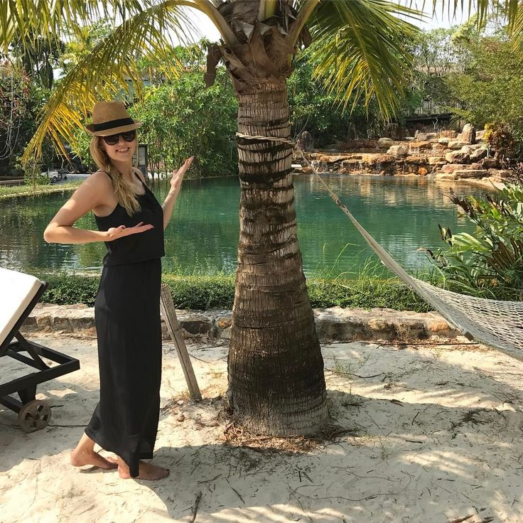 SABINA THERESE  HAYSEN (@sabinasverden) in Joyce dress from Black Swan Fashion SS17