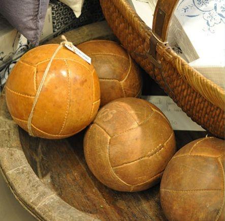 Medicinbold i læder