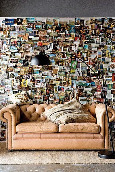 Räume und ihre Kunst an den Wänden - Postkartenwand