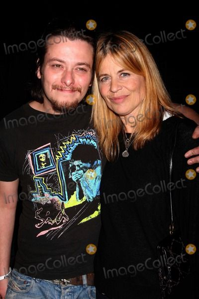Photos and Pictures - NYC  10/17/09 Edward Furlong and Linda Hamilton (Terminator 2 co-stars-he played her son John Connor)) at day 2 of the 2009 Big Apple Comic Con at Pier 94 Digital Photo by Adam Nemser-PHOTOlink.net