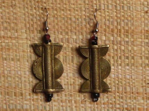http://www.etnobazar.pl/shop/Moringa-art/products/kolczyki-etniczne-z-brazu-2