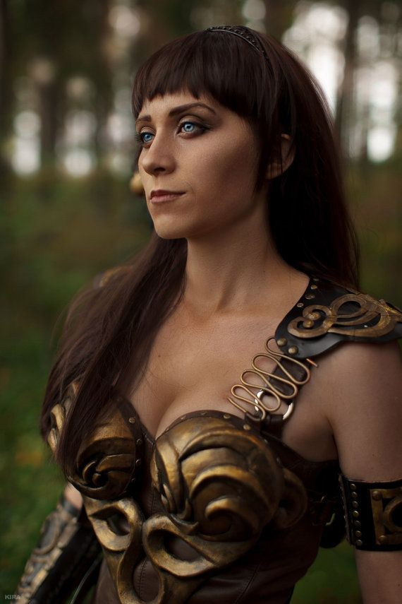 Make to order armor Xena.  1) Armor + shoulders It included only the front and back armor + shoulders  2) Full armor It included only the front and back armor + shoulders + two tipes of braslets + kneepads  3) Braslets + kneepads It included only the two tipes of braslets + kneepads