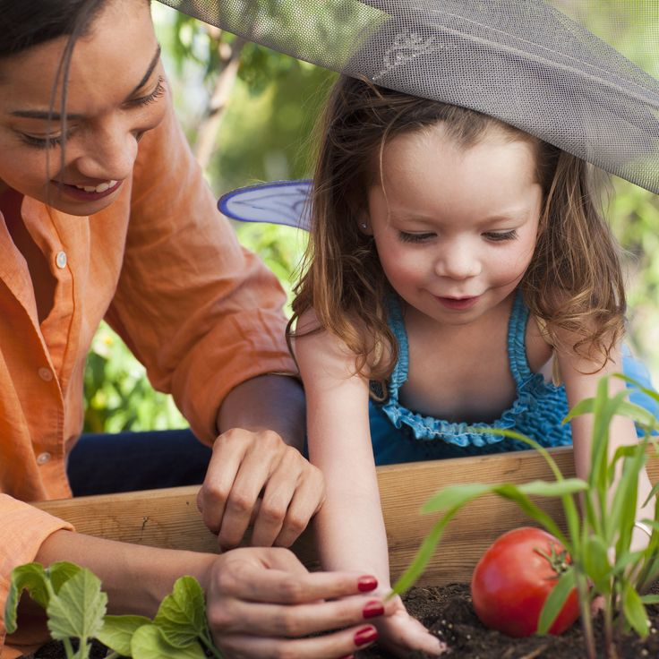 To reap the benefits of gardening, children have to actually be involved - not just watching their parents. #movenaturally #eatrealfood