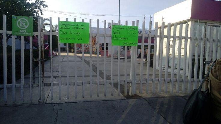Así, este viernes, decenas de personas que procedían de diversos municipios del estado se vieron impedidas para realizar sus trámites ante la SEE