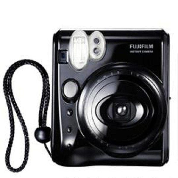 FUJIFILM Instax Mini 50S 拍立得相機  INSTAX MINI 50S讓喜歡成熟品味的攝影玩家,也能享受馬上拍,馬上看的拍照樂趣,    鋼琴黑艷麗色彩的潮炫機身,INSTAX MINI 50S 是富士馬上看系列相機中最小,最輕的主力機種。