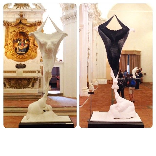 Citta della Pieve, Umbria Italy Davanti è dietro, giorno e notte, due facce di una medaglia #altrasimeno foto di @giulianekorkina