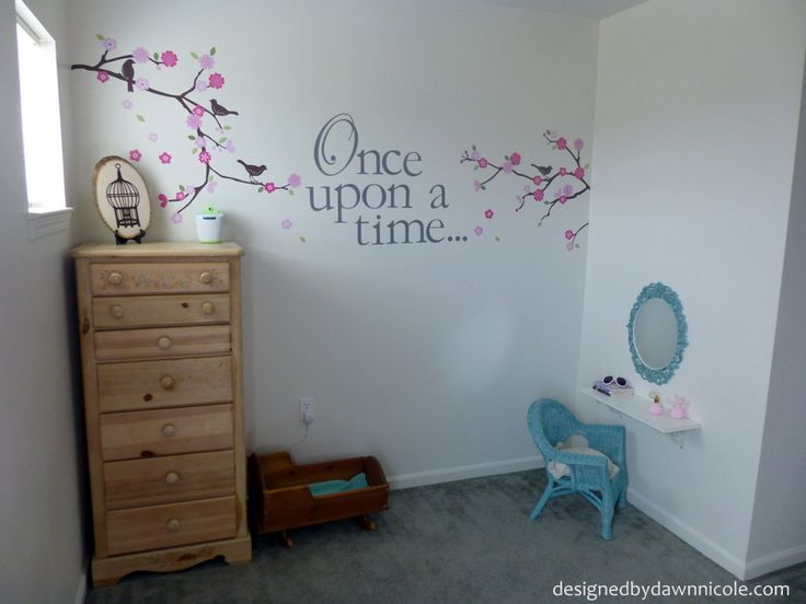 Enchanted Forest Fairytale Room--would be cute for Lily's room : )
