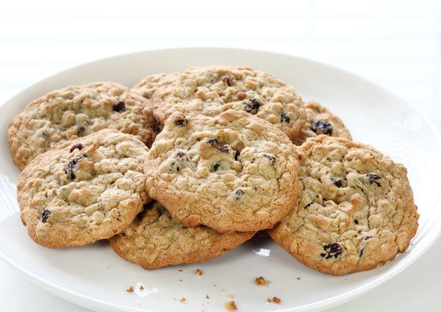 Kids Cooking Videos: Oatmeal Breakfast Cookies