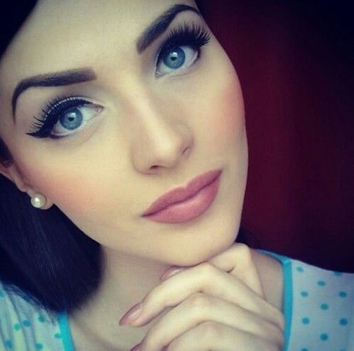 Cute Makeup. I'm not a huge fan of blush... Constant redness of the cheeks looks unnatural to me