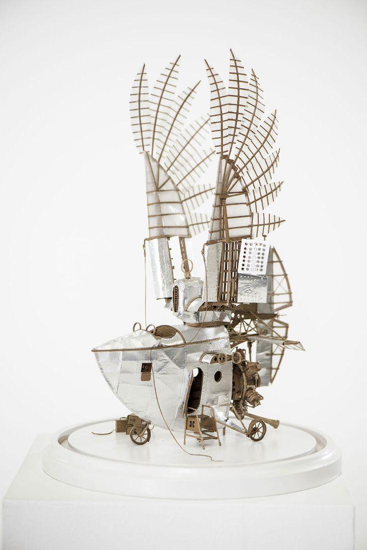 空想捗る完成度。オランダ人芸術家がダンボールで作った、空飛ぶ乗り物のアート作品 写真10枚:小太郎ぶろぐ